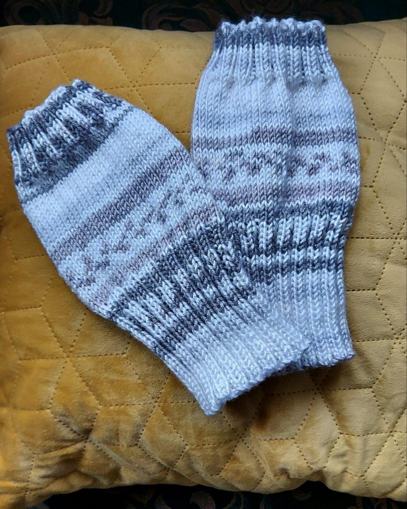 Knitting blogger